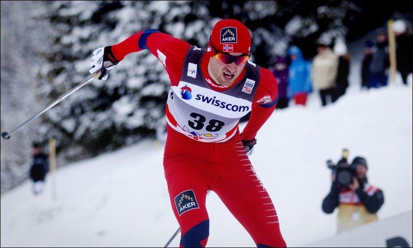 PÅ PALLEN: Petter Northug spurtet om seieren, men måtte nøye seg med andreplass i La Clusaz. Foto: Scanpix