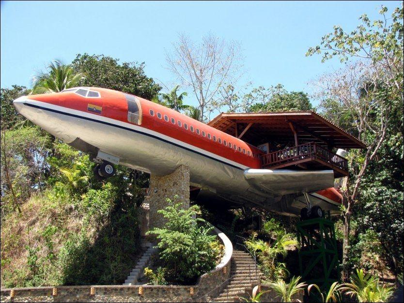 BOEING 727: Flyet er plassert i Costa Rica, og er innredet med to soverom, to bad og kjøkken. Herfra er det utsikt til hav og jungel. Prisen per natt er 2400 kroner. Foto: VINCENT COSTELLO.