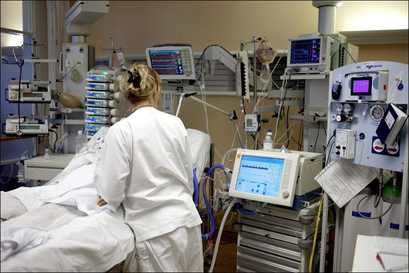 INTENSIVT: Rikshospitalet tar i mot de aller sykeste svineinfluensapasientene fra helseregion sørøst. For tiden har tre av pasientene fått konstatert denne influensaformen. Foto: Marius Knutsen/VG