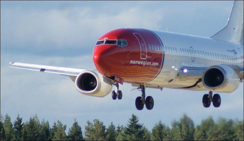NULL REKLAME: Norwegian, SAS og Ryanair reklamerer heftig for sine billige flyreiser. Det vil Fremtiden i våre hender ha en slutt på. Foto: JAN OVIND
