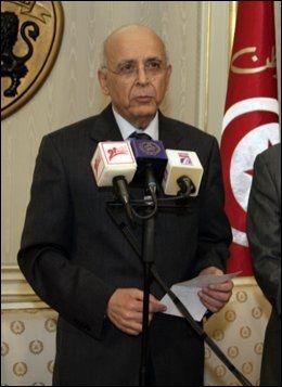 TAR OVER MAKTEN: Statsminister Mohammed Ghannouchis. Foto: AFP