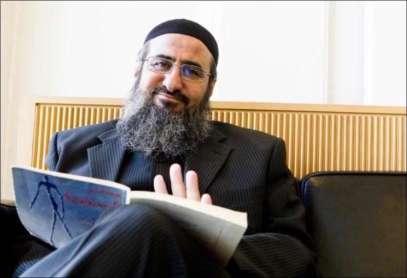 VIL HJEM: Mullah Krekar setter seg gjerne på flyet til Nord-Irak, men ikke uten hjelp fra Norge. Foto: Scanpix