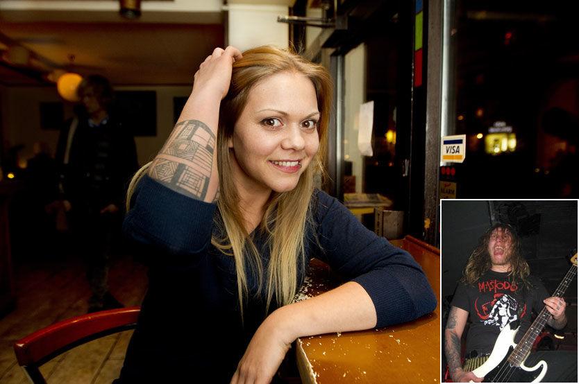 FÅR HEAVY-INSPIRASJON: Isabella Leroy (28) lar seg inspirere av kjæresten Frode Kilvik (28) som spiller i metalbandet Krakow. Foto: Roger Neumann/Privat