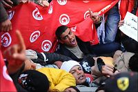 Fattigfolk inntar Tunisias hovedstad for å kjempe for demokrati