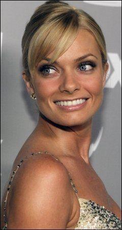 MER GLAMORØS: Jaime Pressly (33) på en filmgalla i 2006. Foto: AP