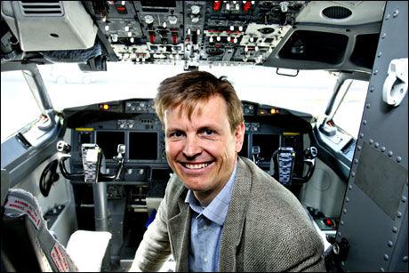BEKREFTER: Flygesjef Bjørn Granviken i SAS - her i cockpiten på en Boeing 737 Next Generation. Foto: Knut Snare, Aftenposten