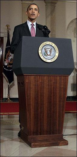 TALTE: Barack Obama roste den egyptiske hæren for å ha opptrådt ansvarlig under opprøret de siste ukene. Foto: AP