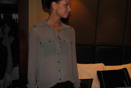 KLÆR: Bilde fra et innlegg på bloggen til Ida denne uken. 18-åringen setter fokus på sminke og klær på bloggen sin, og unngår å være for utleverende. Foto: idawiik.blogg.no