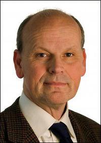 Abdulhak truer norske stortingspolitikere med rettssak