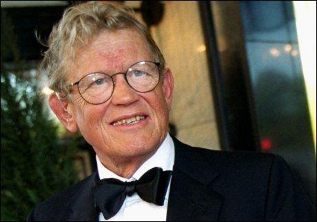 - LITT TØFF: Her er Jacob Stolt-Nielsen som feirer 70-årsdagen sin i 2001. Foto: Ida von Hanno Bast