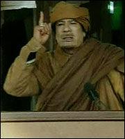 LOVET BLODBAD: - Jeg skal lede revolusjonen og slås til siste blodsdråpe, sa Gaddafi i en direktesendt tale tirsdag kveld. Foto: AP
