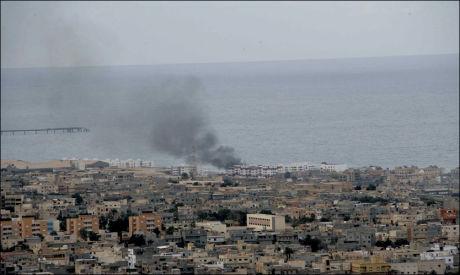 TATT OVER: Her i byen Durna har opprørere mot Muammar al-Gaddafi tatt over. Foto: AP / XINHUA