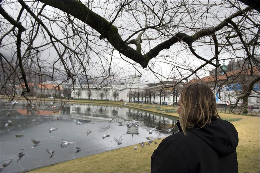 MOR TIL MOBBEOFFER: Sønnen til Bergens-kvinnen opplevde alle skolebarns mareritt. Foto: Tor Erik H. Mathiesen