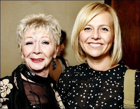 MOR OG DATTER: Ragnhild Skåber (67) og datteren Linn (40) på Oslo Nye for tre år siden. Foto: Sara Johannessen/Scanpix