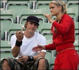 Andreas Thorkildsen og Christina Vukicevic har forsøkt å skjerme privatlivet, og har ikke alltid vært like glade for å bli avfotografert. Her fra NM på Bislett i 2006. Foto: Scanpix.