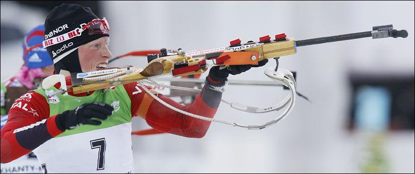 TO BOM: Tora Berger var fornøyd med innsatsen i VM-jaktstarten hvor hun ble nummer fem. Foto: Scanpix