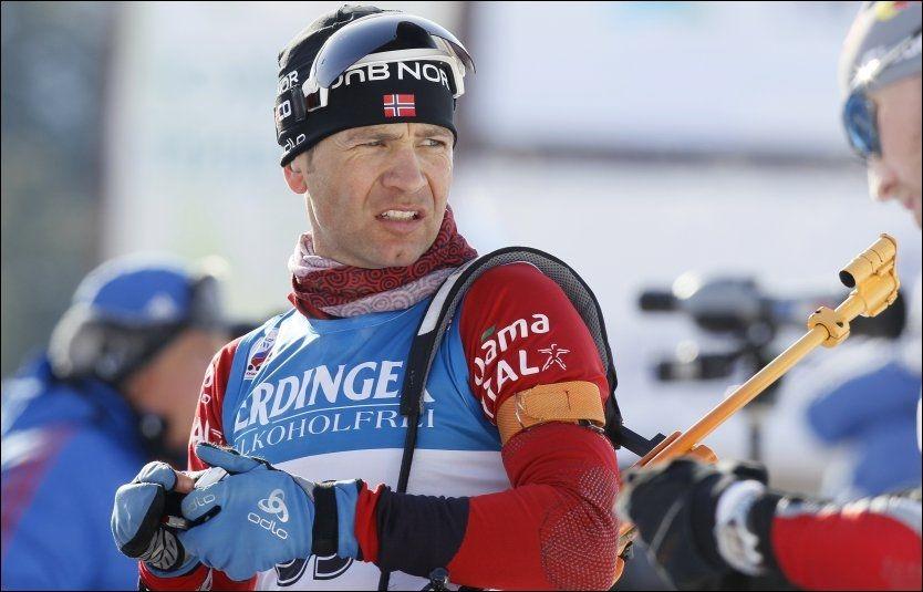 FORTSATT MOTIVERT: Tross motgang, er Ole Einar Bjørndalen (37) fortsatt motivert, og har ikke planer om å gi seg. Foto: Heiko Junge, Scanpix