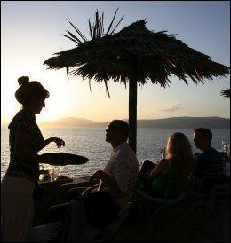 HYDRA: Mange kjendiser har drukket hvitvin i solnedgangen på Hydra. Foto: MONA LANGSET