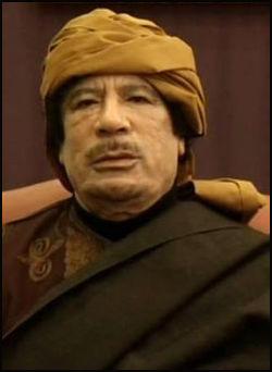 TRUER: Muammar Gaddafi sier han ikke vil akseptere at internasjonale styrker griper inn i Libya. Foto: AP