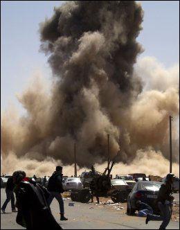 LUFTANGREP: Gaddafis styrker har de siste ukene fått et solid overtak, blant annet ved hjelp av sin luftstyrke. Foto: Scanpix