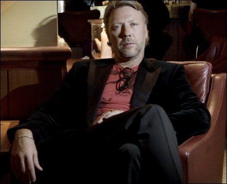 PULVER I NESEN: Skuespilleren Mikael Persbrandt møtte VG i København i august i fjor. Nå er han tatt med kokain. Foto: Linn Cathrin Olsen