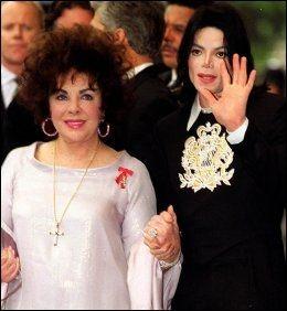 NÆRE: Elizabeth Taylor og Michael Jackson var svært nære venner. Her fra 2000. Foto: PA Photos.