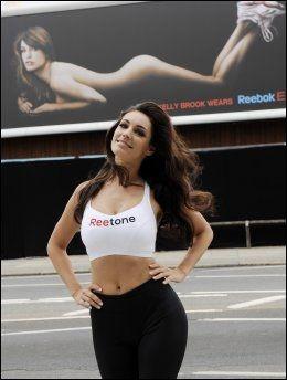 RUMPA BAR: Slik så det ut da Kelly Brook var modell for Reebok-skoene i 2010. Foto: Camera Press.