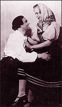 DEBUT: Wenche Foss debuterte i Vilhelm Dybwads operette «Taterblod» på Søilen teater (senere Edderkoppen) i Oslo. Foto: Privat