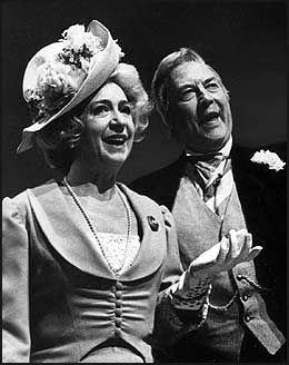 LYKKELIGE VALG: Wenche Foss og Gisle Straume som Lavina og Celius i «Det Lykkelige Valg» på Oslo Nye Teater i 1973. Foto: Scanpix