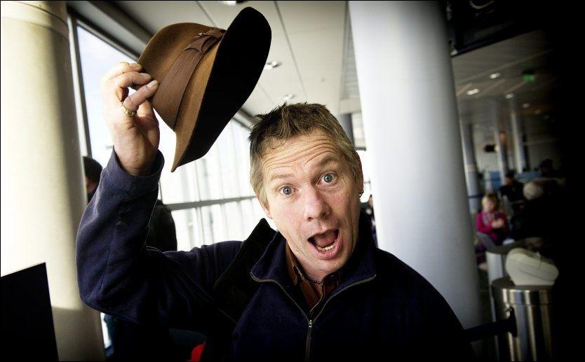 TAR AV SEG HATTEN: Reisejournalisten og TV-personligheten Ian Wright mener reisemålet Norge har alt, men dessverre også høye priser. Foto: GØRAN BOHLIN / VG