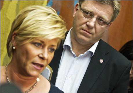 PRESSET: Siv Jensen og Geir Mo under pressemøtet i forrige uke. Foto: Frode Hansen