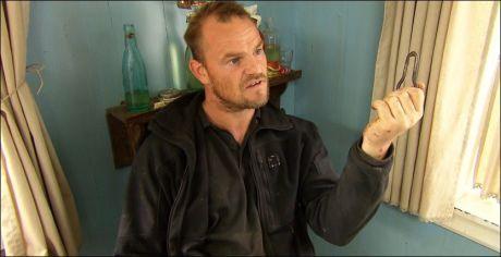 KRANGLEFANT: Slik er vi vant til å se Ståle Bjørnvåg fra «Farmen». Her fra en krangel med Tommy Rodahl. Foto: TV 2.