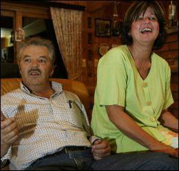 HJEMME: Martin Schanche og kona Birgit - her hjemme i Drøbak. Foto: Arkivfoto: Knut Erik Knudsen