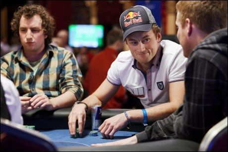 DELTAR I NM: Petter Northug på poker-NM i Riga i Latvia. Foto: Scanpix