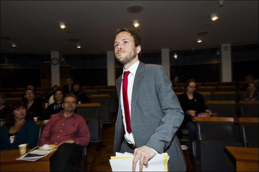 PÅ AGENDAEN: Barne-og likestillingsminister Audun Lysbakken (SV) deltok på et møte for personlaavdelingen i departementet i forrige uke. Foto: Frode Hansen/VG