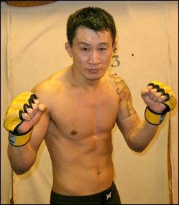 RUTINERT FIGHTER: 38 år gamle Thomas Moon Lee Hytten er fortsatt aktiv innen MMA. Foto: Privat