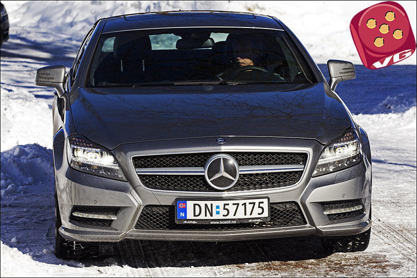 STILFULL: Mercedes CLS 350 CDI er en vakker, stilig og kraftfull bil, men har litt for lite luksusfølelse innvendig sammenlignet med i en Jaguar Foto: Frode Hansen