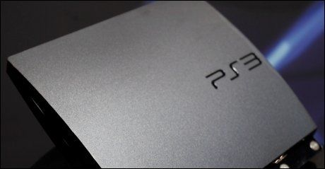 SLITER: Playstation har vært rammet av datahackere i hele påsken. Foto: AP