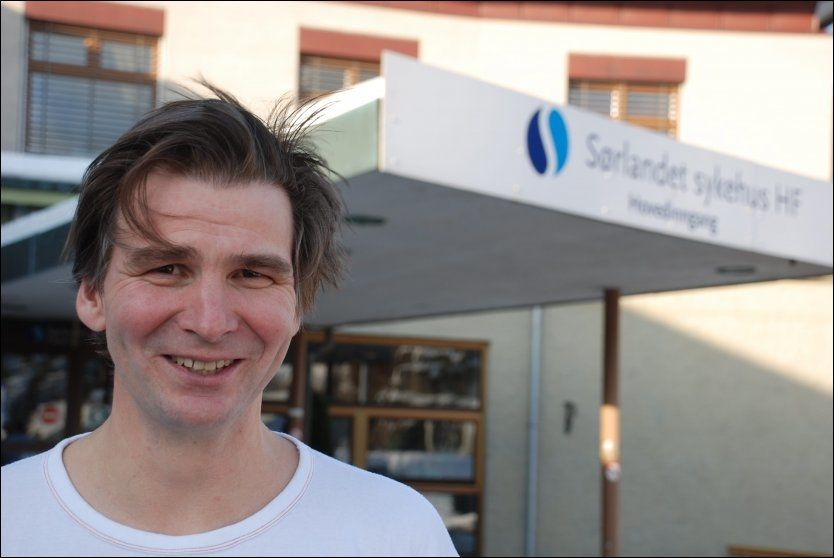 - JEG BARE TULLA: Avdelingsleder for kirurgi, Marcus Gürgen, ved Sørlandet sykehus Flekkefjord, sier at hele saken dreier seg om en fleip. Foto: SVEIN LØVLAND, Avisen Agder