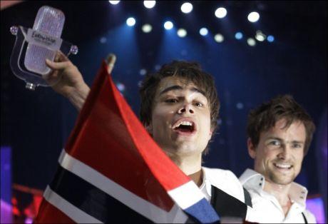 MGP-EKSPERT: Her feirer Alexander Rybak seieren i Eurovision Song Contest i Moskva 2009. Foto: Scanpix