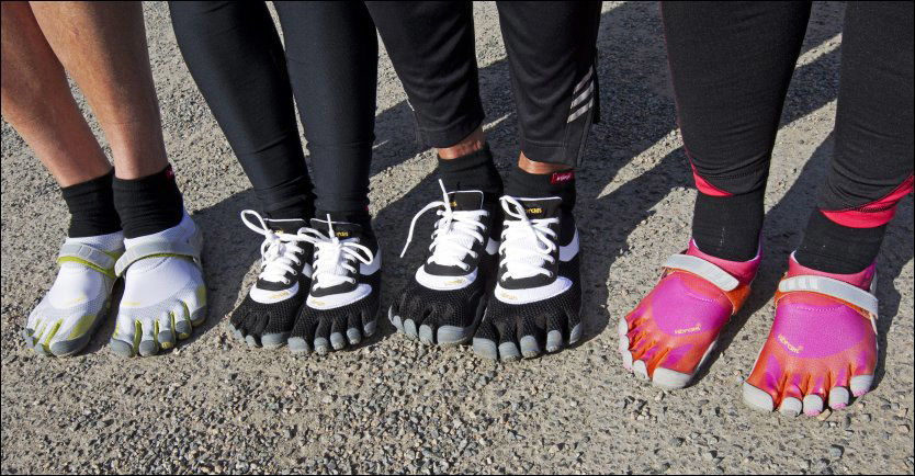 BARFOTSKO: VG har testet Vibrams fivefingersko, typene vi testet var Bikila (de fargerike) og Speed (de svarte med lisser). Begge skoene har identisk såle.