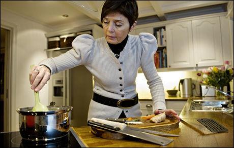 NY JOBB: Ingelin Killengreen sluttet som politidirektør tidligere i år, og stilte opp til avskjedsintervju i VG hjemme på kjøkkenet. Foto: EIVIND GRIFFITH BRÆNDE