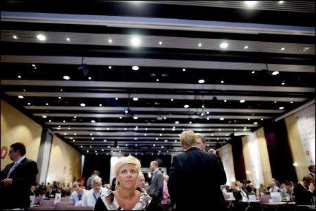 RIKEST: Frps delgater til landsmøtet er de rikeste blant alle partiene, viser en ny gjennomgang. Her venter delegatene i landsmøtesalen. Foto: Scanpix