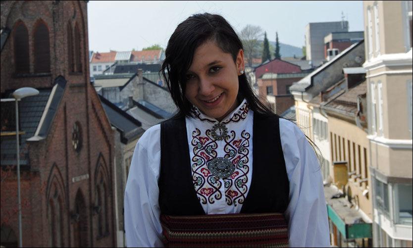 KONFIRMANT: Nadia Alangeh konfirmerte seg borgerlig i år. Foto: Privat