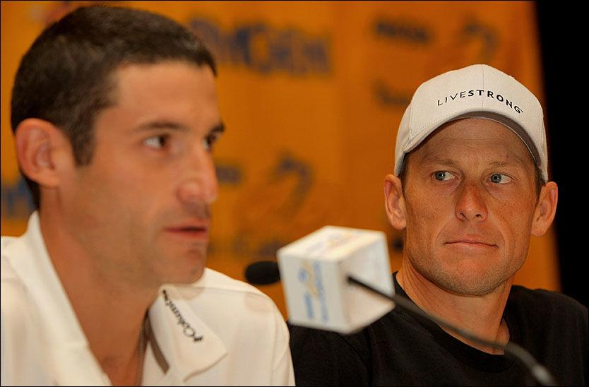 GODE VENNER: George Hincepie (t.v.) har vært Lance Armstrongs mest lojalje hjelperytter. Nå har han, ifølge 60 Minutes, naglet sin gamle sjef til dopingbruk. Foto: AFP