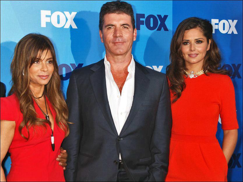 TV-TRIO: Paula Abdul (f.v.), Simon Cowell og Cheryl Cole skulle alle tre være dommere i «X Factor» i USA. Nå må Cole finne seg en ny jobb. Foto: CAMERA PRESS