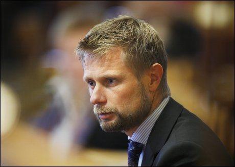 REAGERER: Bent Høie fra Høyre mener Storberget kan ha feilinformert Stortinget. Foto: Erlend Aas/Scanpix