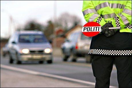 POLITI: Når bilister blir stoppet av politiet, blir ofte forklaringene kreative. Foto: Jan Petter Lynau, VG