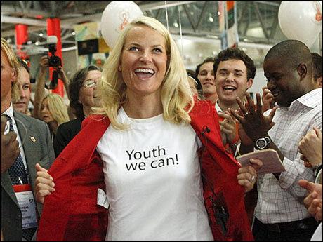 GOODWILL-AMBASSADØR: Kronprinsesse Mette-Marit bidrar i kampen mot HIV/AIDS. Her er hun under åpningen av ungdomspaviljongen på den store aidskonferansen i Wien i juli i fjor. Foto: Herwig Prammers, Reuters