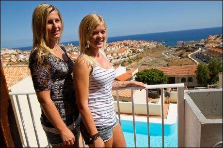 ADVARER: Johanne Dybdahl (18) og Lena Omland tar sterk avstand fra balconing. Foto: Bård Ove Myhr